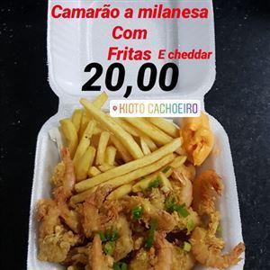 CAMARÃO Á MILANESA COM FRITAS E CHEDDAR