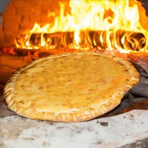 PIZZA STROMBOLI + REFRI 1,5L