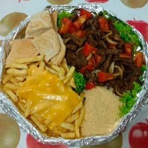Porção de Carne Completa com batata frita ( serve ate 4 pessoas)